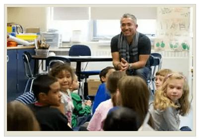 Цезарь Милан учит детей
