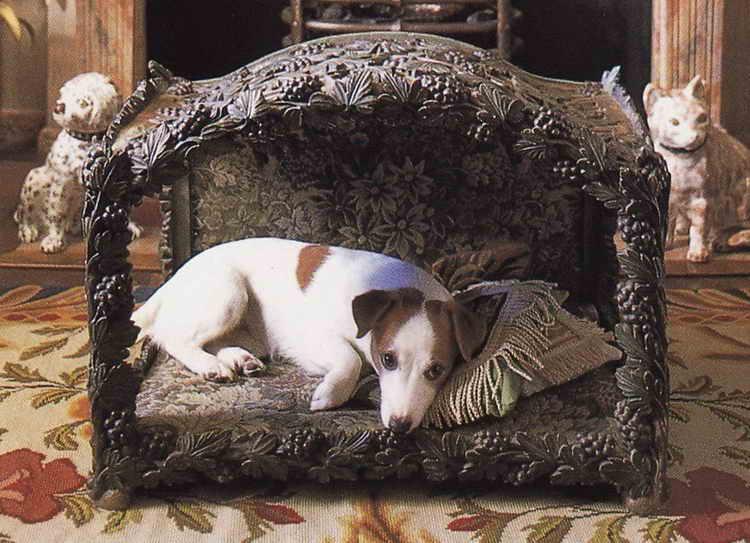деревянный лежак для собаки